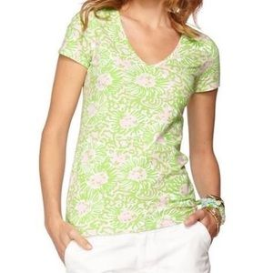 Lilly Pulitzer Sunnyside Michelle V-Neck Tee Large